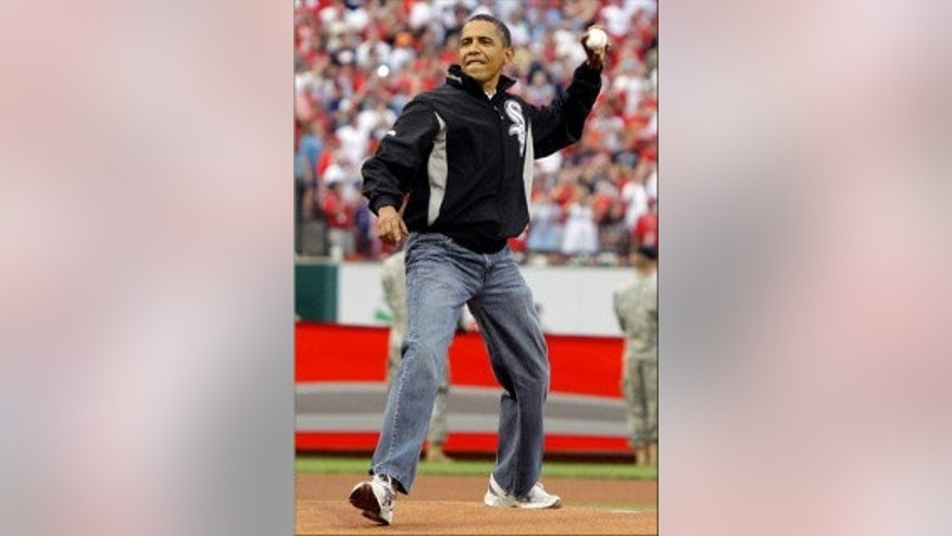President Obama throws the first pitch at 2009 All Star Game (AP Photo)