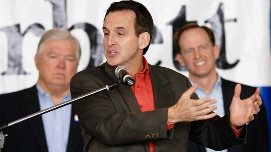 FILE: Minnesota Gov. Tim Pawlenty, flanked by Mississippi Gov. Haley Barbour and U.S. Senate candidate Pat Toomey, during the latter's Senate campaign.