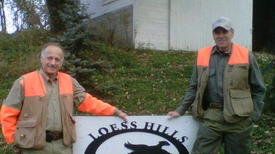 Rep. Steve King (R-Iowa) & Gov. Rick Perry (R-Texas) hunting in Iowa