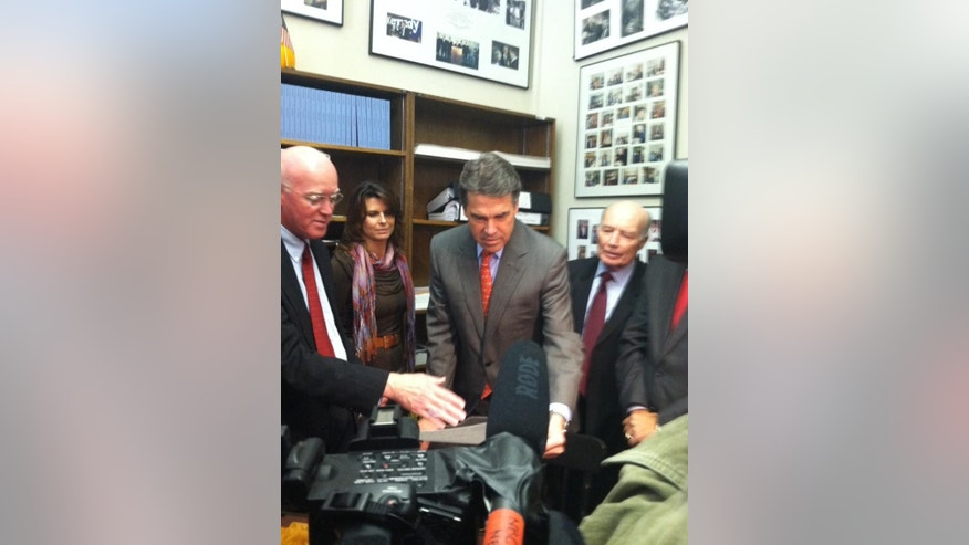 Rick Perry files for the New Hampshire Primary. (Fox News Photo)