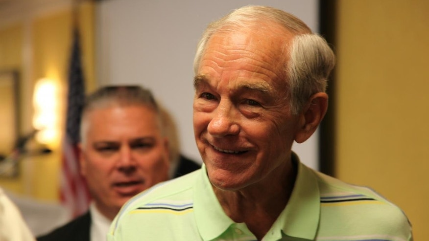 Ron Paul meets supporters in Iowa (Fox News)