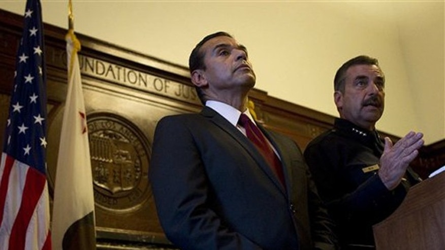 November 25, 2011: Mayor Antonio Villaraigosa and LAPD Chief Charles Beck announce plans to close City Hall Park to Occupy protesters as of midnight, Sunday, Nov.  27.