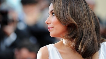 """CANNES, FRANCE - MAY 17:  Actress Eva Longoria attends the """"De Rouille et D'os"""" Premiere during the 65th Annual Cannes Film Festival at Palais des Festivals on May 17, 2012 in Cannes, France.  (Photo by Pascal Le Segretain/Getty Images)"""
