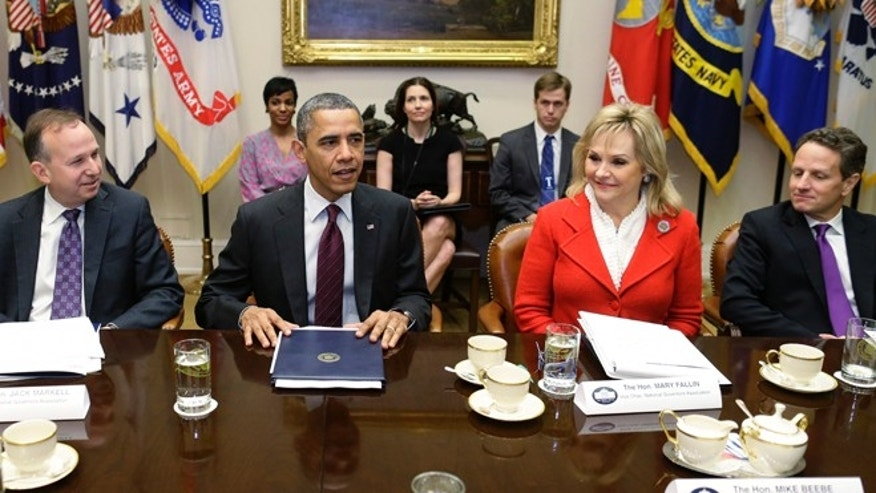 FILE: Dec. 4, 2012: President Barack Obama, (l) National Governors Association Chairman and Delaware Gov. Jack Markell, and Vice Chair Oklahoma Gov. Mary Fallin at the White House in Washington.