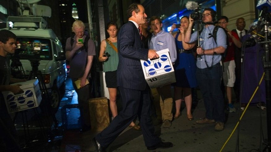 Last week, Eliot Spitzer delivered signatures to the board of elections office in New York.