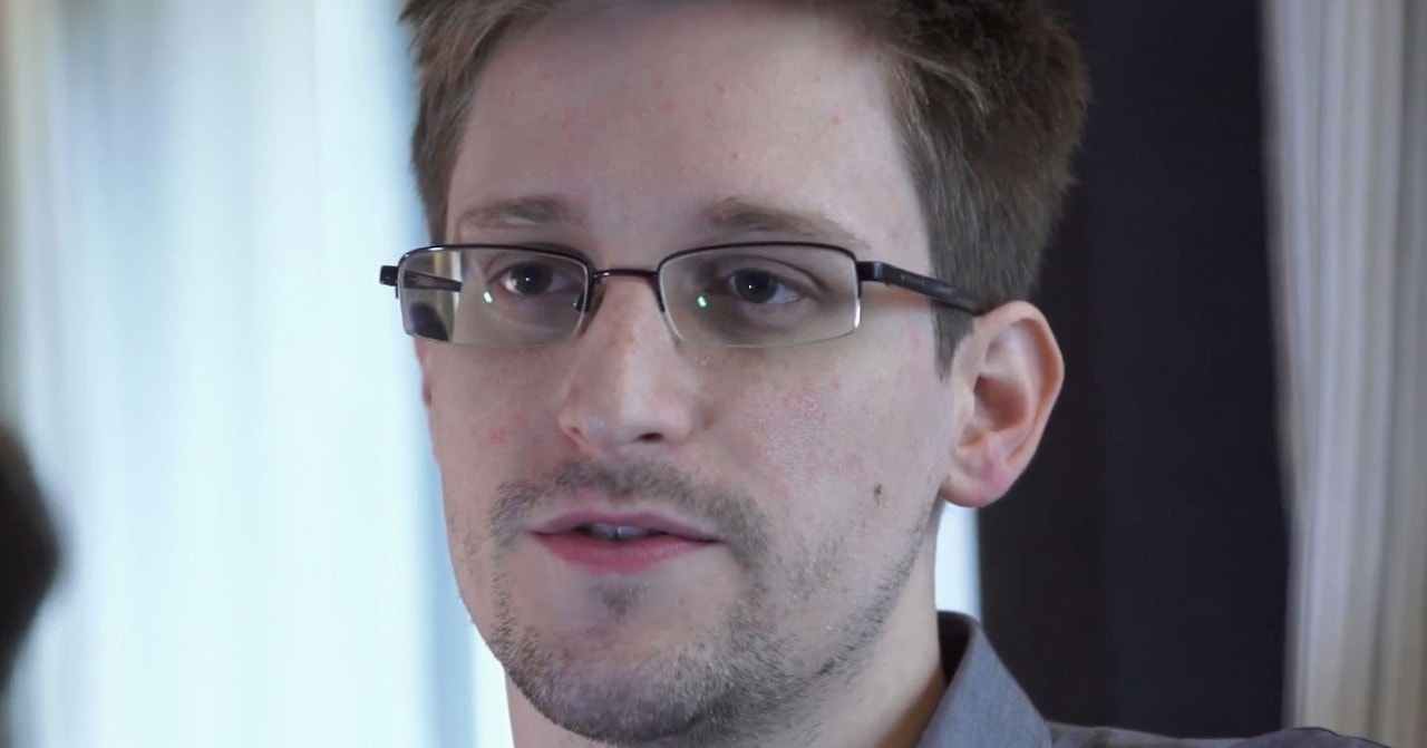 Ex-CIA director: Snowden should be 'hanged' if convicted for treason