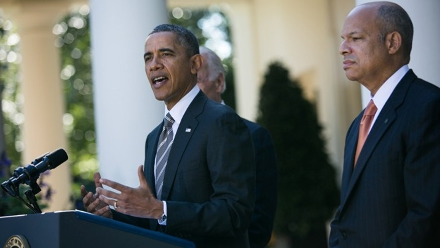 WASHINGTON, DC - OCTOBER 18: U.S. President Barack Obama introduces Jeh Johnson(R) as his nominee to be the next  Secretary of the Department of Homeland Security, in the Rose Garden of the White House, October 18, 2013 in Washington, DC. The Department of Homeland Security has been without a Senate-confirmed leader for six weeks. (Photo by Drew Angerer/Getty Images)