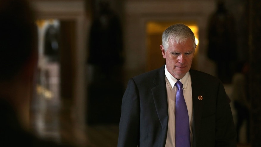 WASHINGTON, DC - SEPTEMBER 28:  U.S. Rep. Mo Brooks (R-AL) on his way to the House Chamber for a procedural vote on the House floor September 28, 2013 on Capitol Hill in Washington, DC. The House will vote later today on two amendments to the Senate-passed continuing resolution that will keep the government running.  (Photo by Alex Wong/Getty Images)