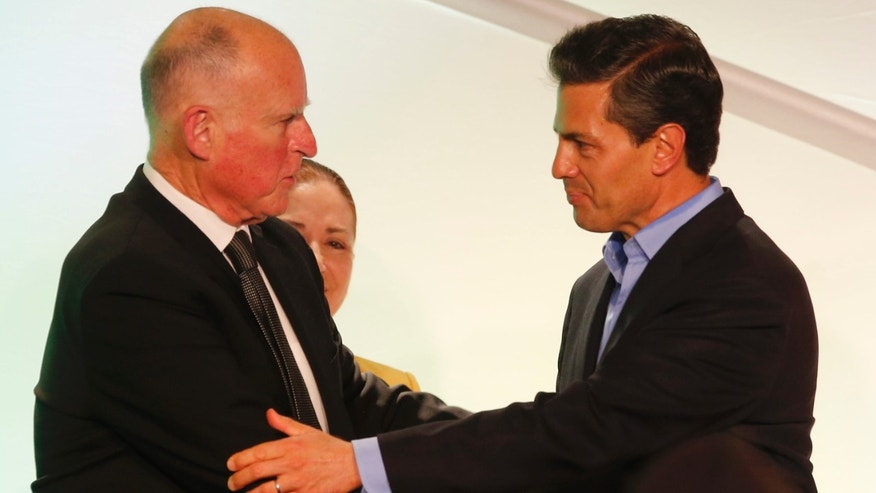 California Gov. Jerry Brown and Mexico's President Enrique Pena Nieto in Los Angeles, Monday, Aug. 25, 2014.