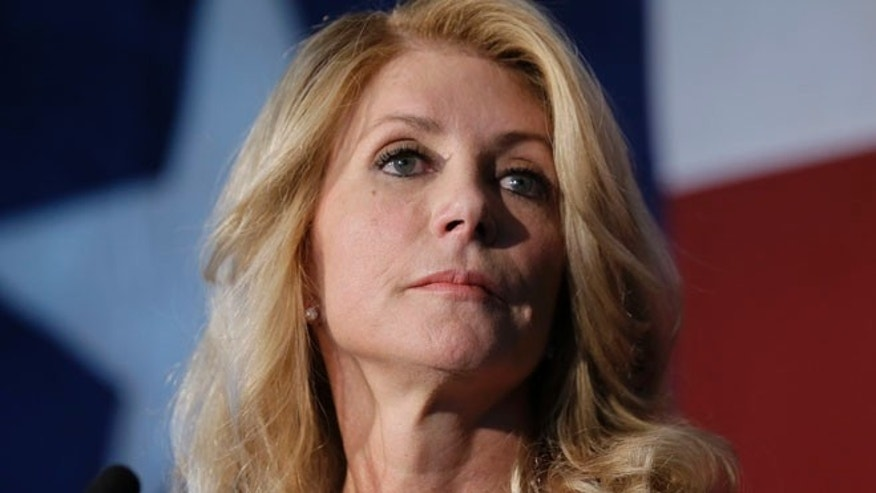 Aug 26, 2014: Texas Democratic gubernatorial candidate Wendy Davis presents her new education policy during a stop at Palo Alto Colleg in San Antonio. (AP)