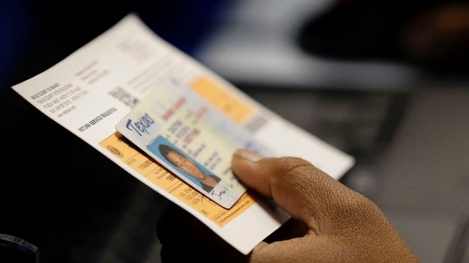 Supreme Court allows Texas to enforce new voter ID law for November election