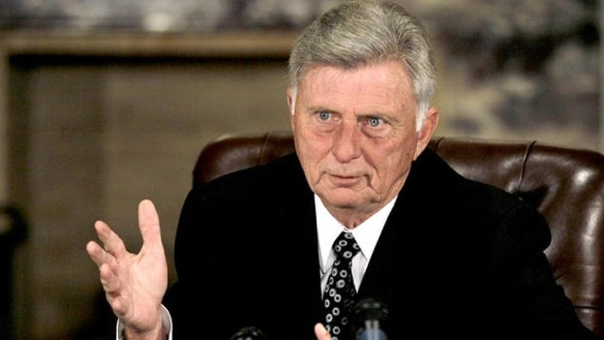 Arkansas Gov. Mike Beebe addresses a news conference in Little Rock in this 2012 photo (AP/File)