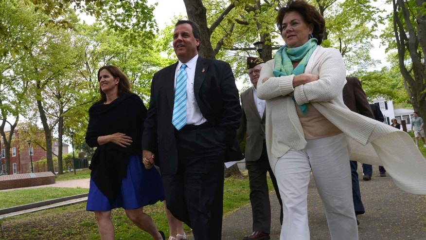 Chris Christie, Prescott Park with wife Mary Pat Foster May 18, 2015 in Portsmouth, New Hampshire.