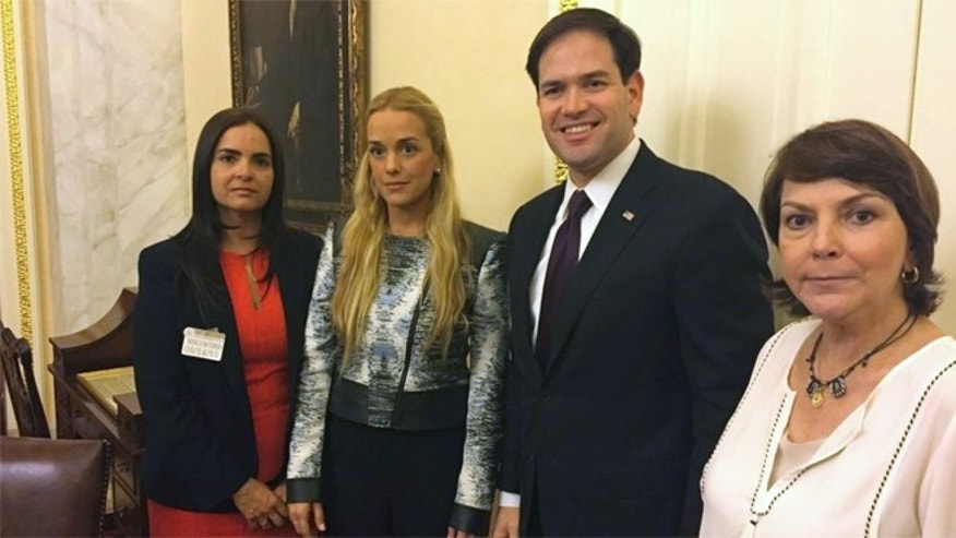 From left: Tamara Suju, international director of the Venezuelan human rights organization, Foro Penal; Lilian Tintori, wife of imprisoned opposition leader Leopoldo López; Sen. Marco Rubio; and Mitzy Capriles, wife of imprisoned Caracas mayor Antonio Ledezma. (Photo: rubio.senate.gov)
