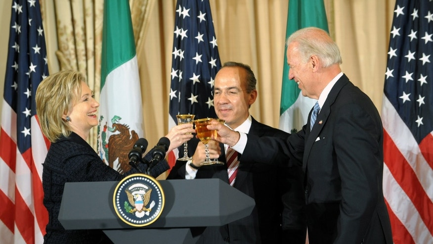 Clinton, Biden and Calderon in the Franklin Room at the U.S. Department of State, May 19, 2010