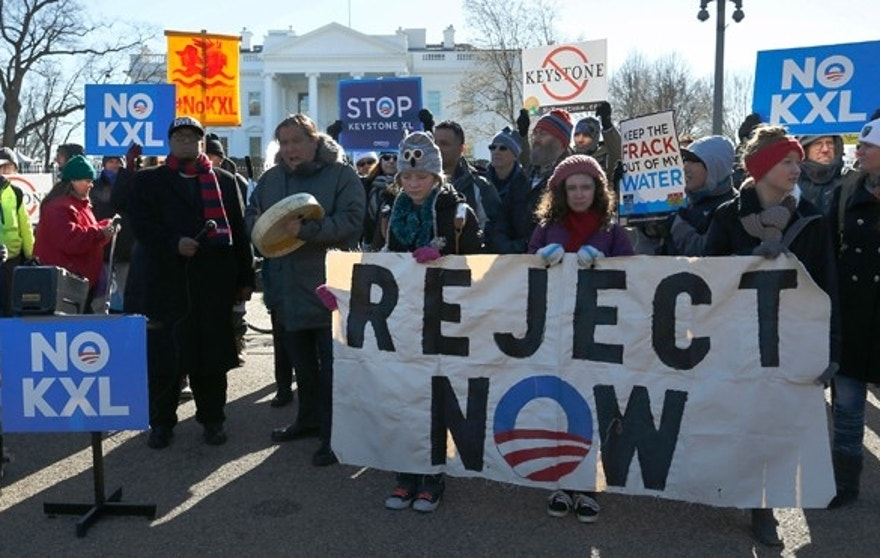 Jan 10, 2015: Activists hold a rally against government approval of the planned Keystone XL oil pipeline, in front of the White House in Washington. (Reuters)