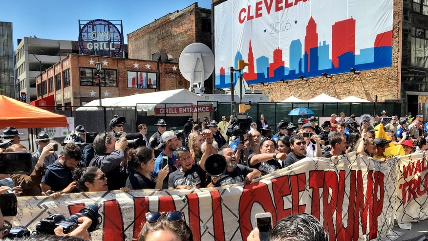 demonstrators build wall in front of rnc to protest trumps immigration policy build wall