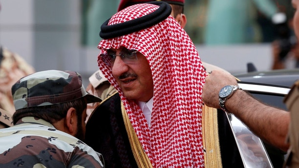 Saudi Crown Prince Mohammed Bin Nayef, the interior minister, arrives to a military parade in preparation for the annual Haj pilgrimage in the holy city of Mecca September 5, 2016.  REUTERS/Ahmed Jadallah.   - RTX2O8NM