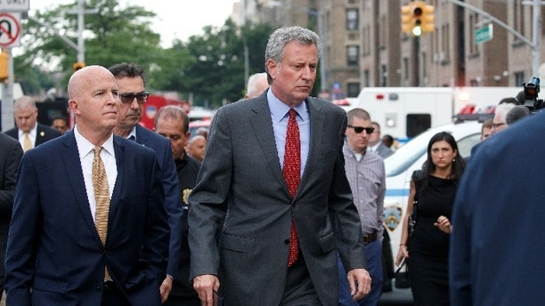 NYPD Sergeants Union Head Blasts De Blasio for Germany Trip