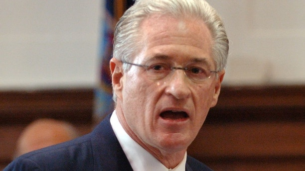 Marc Kasowitz, attorney for the Port Authority, delivers opening statements in the trial to determine whether the Port Authority was negligent in the case of the 1993 World Trade Center bombings Monday, Sept. 26, 2005 in New York.  The Port Authority failed to take steps to prevent the 1993 bombing of the World Trade Center because it was inconvenient and expensive, attorney Davis J. Dean said Monday during a trial to determine whether the agency is liable for damages.  (AP Photo/Andrew Theodorakis, POOL)