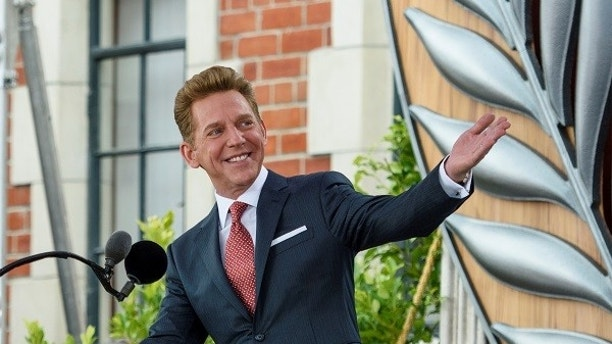 David Miscavige, Chairman of the Board Religious Technology Center and ecclesiastical leader of the Scientology religion, dedicating the new Church of Scientology in Auckland, New Zealand January 21, 2017. The church sits on a landmark site dating back to 1844. Picture taken January 21, 2017. Church of Scientology/Handout via REUTERSFOR EDITORIAL USE ONLY. NOT FOR SALE FOR MARKETING OR ADVERTISING CAMPAIGNSTHIS IMAGE HAS BEEN SUPPLIED BY A THIRD PARTY. IT IS DISTRIBUTED, EXACTLY AS RECEIVED BY REUTERS, AS A SERVICE TO CLIENTS - RC145DB0EFA0