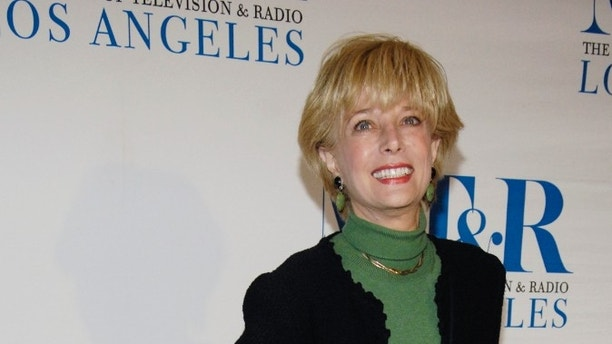 """Television journalist Lesley Stahl arrives for the """"She Made It: Women Creating Television and Radio"""" salute at the Museum of Television & Radio in Beverly Hills, California, December 5, 2006. REUTERS/Chris Pizzello (UNITED STATES) - GM1DUCFJDQAB"""