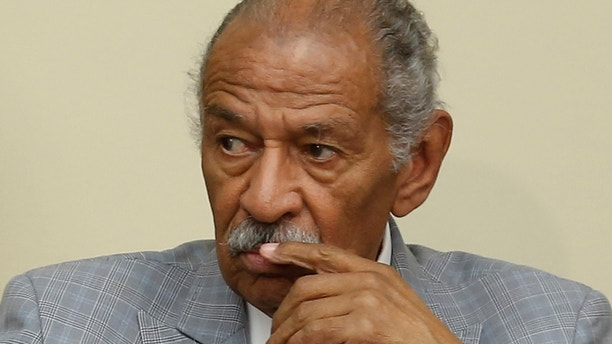 U.S. Representative John Conyers (D-MI) participates in a House Judiciary Committee hearing on Capitol Hill in Washington, U.S. July 12, 2016. Picture taken  July 12, 2016.  REUTERS/Jonathan Ernst - RC1EE09B1F20