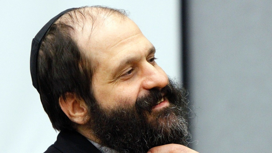 Religious Jews Celebrate as Trump Commutes Sholom Rubashkin's Sentence