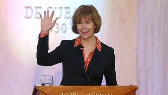 Minnesota Lt. Governor Tina Smith waves to journalists at the end of a news conference in a Hotel in Havana, Cuba, June 22, 2017. REUTERS/Alexandre Meneghini - RC13D8BEA620