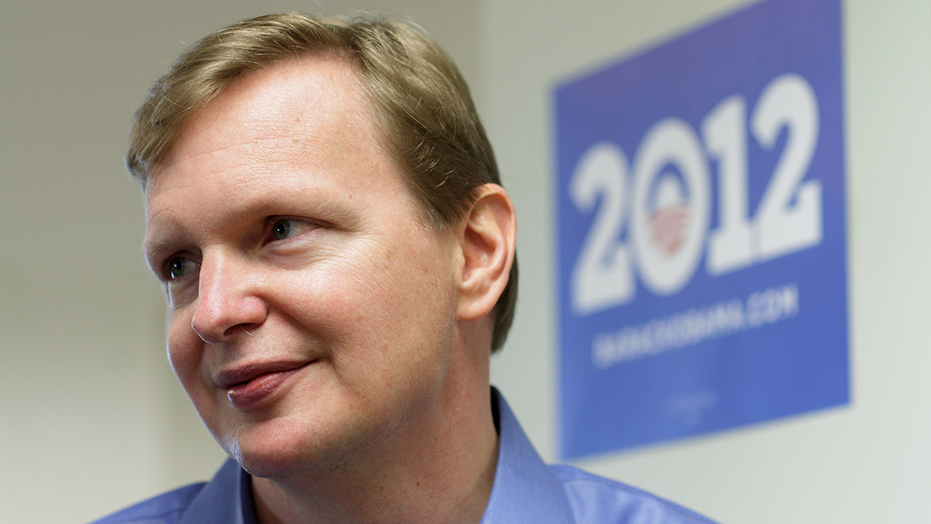 Campaign manager Jim Messina speaks with the media at President Barack Obama's campaign headquarters in Chicago May 12, 2011.
