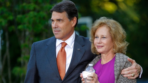 Who Is Rick Perry 7 Things To Know About The Former Texas