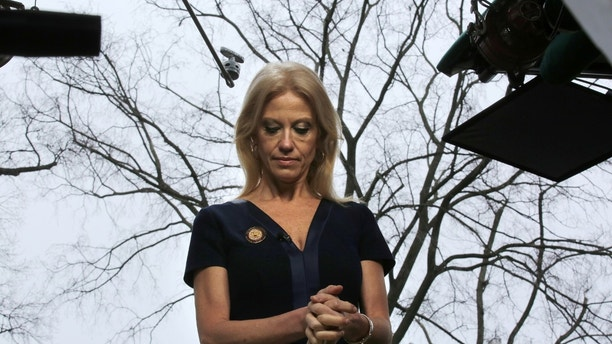 Counselor to U.S. President Donald Trump, Kellyanne Conway prepares to go on the air in front of the White House in Washington, U.S., January 22, 2017. REUTERS/Carlos Barria - RC1D60201C00