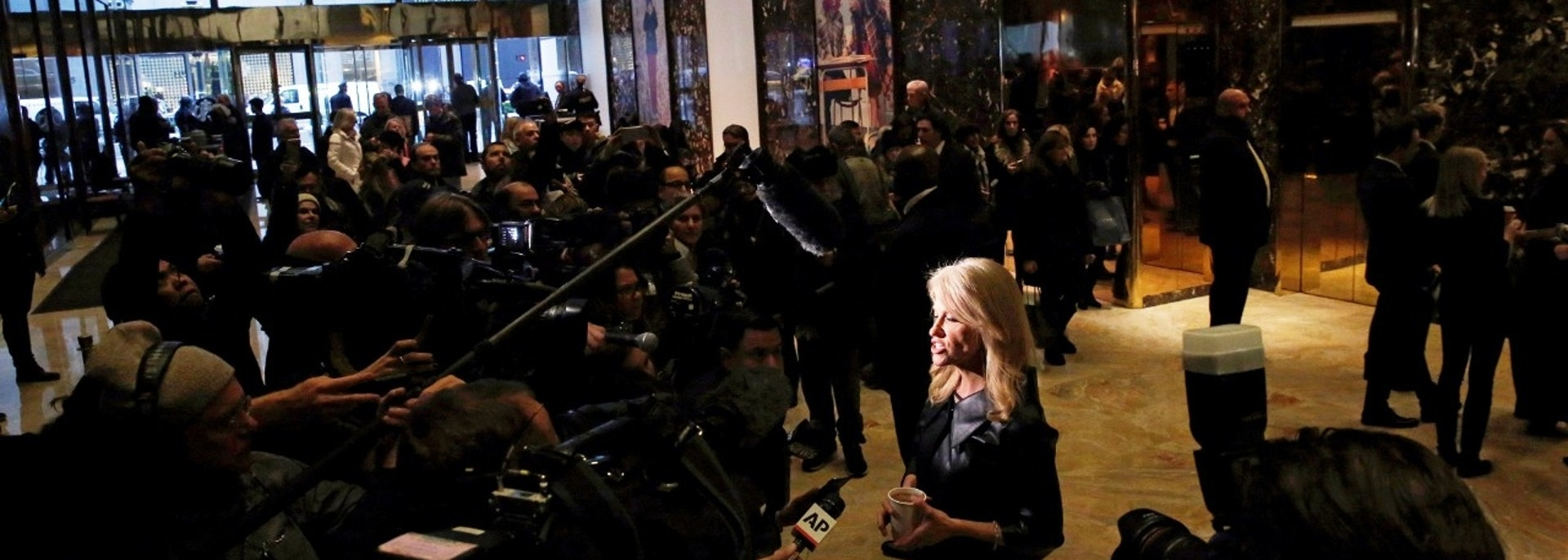 Kellyanne Conway, campaign manager and senior advisor to the Trump Presidential Transition Team, speaks to reporters at Trump Tower in New York, NY, U.S. November 21, 2016. REUTERS/Lucas Jackson - RC17FF5F3F40