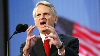 U.S. Senator Zell Miller (D-GA) speaks to the delegation during the third night of the 2004 Republican National Convention at Madison Square Garden in New York City, September 1, 2004. U.S. Vice President Dick Cheney steps into the convention spotlight to defend the Iraq war and take aim at Democrat challenger Senator John Kerry, who has blasted the Bush administration's war failures. REUTERS/Robert Galbraith US ELECTION  JM - RP5DRHXTHOAA