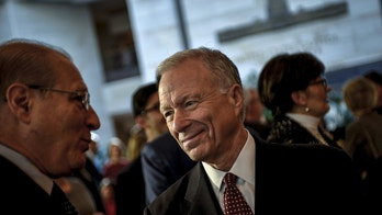 Scooter Libby, former Vice President Dick Cheney's former Chief of Staff, mingles before a ceremony to unveil a marble bust of Cheney in the US Capitol in Wshington, December 3, 2015. REUTERS/James Lawler Duggan - GF20000084054