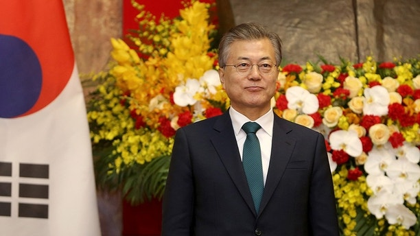 South Korean President Moon Jae-in attend at a press conference at the Presidential Palace in Hanoi, Vietnam 23 March 2018. Minh Hoang/Pool via Reuters - RC139857EE20