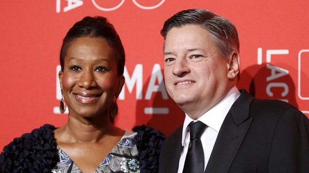 Netflix Head of Content Acquisition Ted Sarandos (R) and Nicole Avant pose at LACMA's 50th anniversary gala in Los Angeles, California, April 18, 2015. REUTERS/Danny Moloshok - GF10000064855