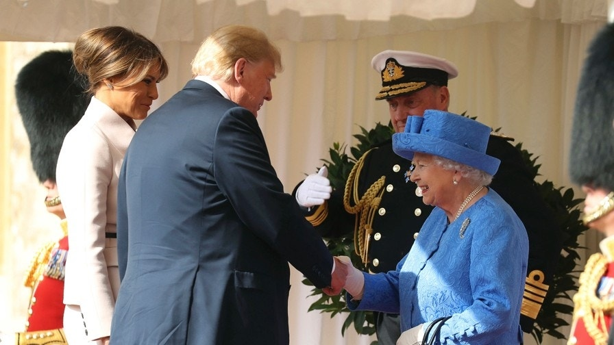 queen elizabeth refuses to meet first lady