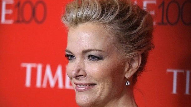 TV host Megyn Kelly arrives for the Time 100 Gala in the Manhattan borough of New York, New York, U.S. April 25, 2017.   REUTERS/Carlo Allegri - RC1AFBAE9160