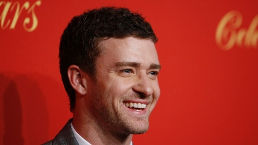 Actor Justin Timberlake arrives for the Cartier 100th Anniversary in America Celebration event in New York April 30, 2009. REUTERS/Lucas Jackson (UNITED STATES ENTERTAINMENT)