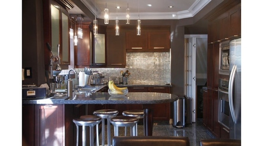 8 mirror types for a fantastic kitchen backsplash fox news types of glass tile kitchen backsplash and tips pictures