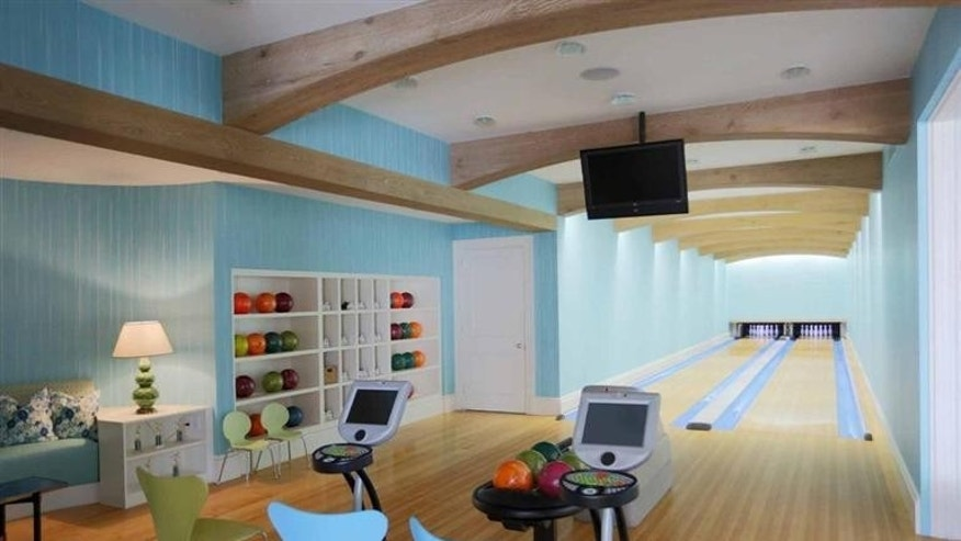 Bowling alley in Dartmouth