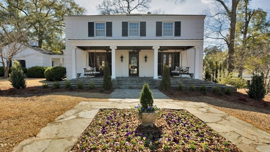 Perfectly-Imperfect-HGTV-Sweet-House-Alabama-18_zpsb8nstbf9