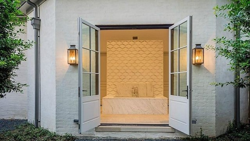 Doors open up to the outside if you feel like bathing with an outside feel.
