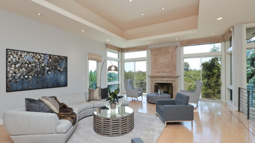 Living Room with Views, High Ceiling