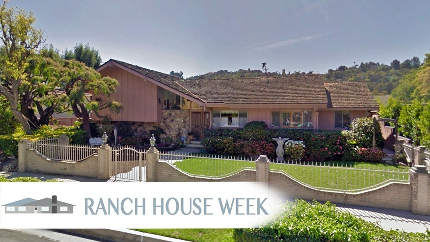Brady Bunch house at 11222 Dilling Street