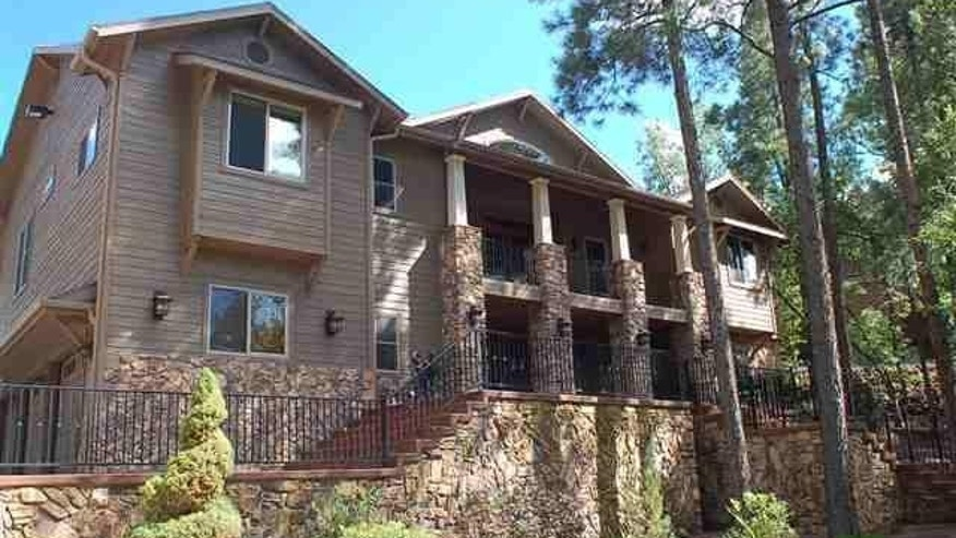 For sale in Pinetop: Scott Hairston's cozy mountain retreat.
