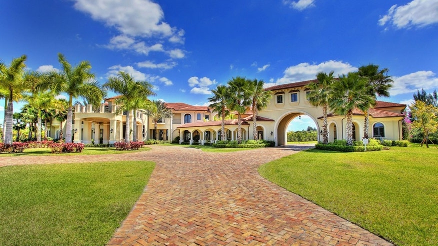 Asante Samuel, former cornerback with the Atlanta Falcons, sold this 16,717-square-foot home in Southwest Ranches, Fla., for $7.5 million