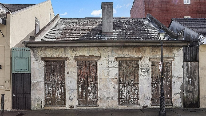 The 19th-century cottage is in the French Quarter.