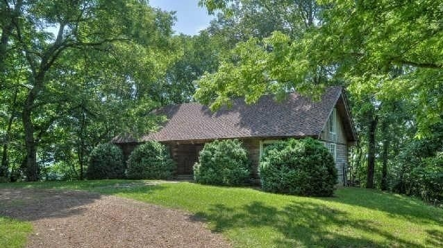 Faith hill and tim mcgraw split up their property in for Mcgraw hill real estate